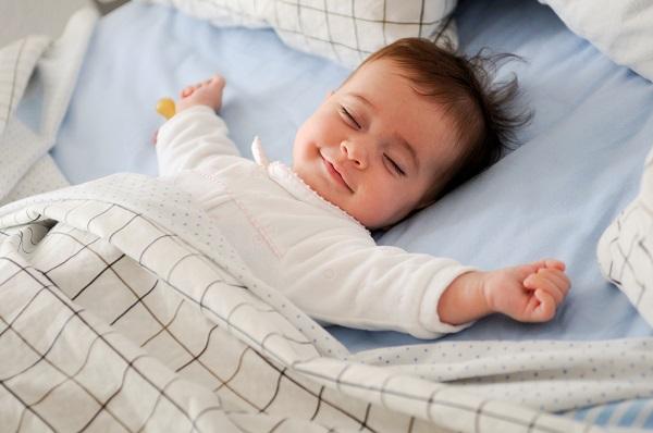nhiệt độ phòng thích hợp cho trẻ sở sinh