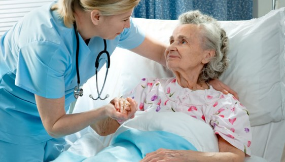 chăm sóc bệnh nhân sau tai biến