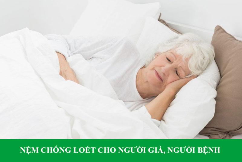 nem-chong-loet-cho-nguoi-gia-nguoi-benh